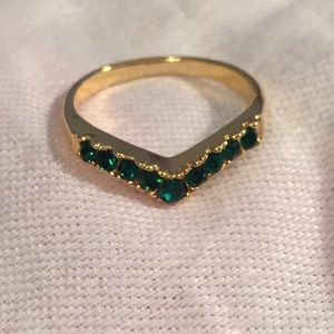 Jewelry - Gold Tone Green Stone Accent Or Stackable Ring